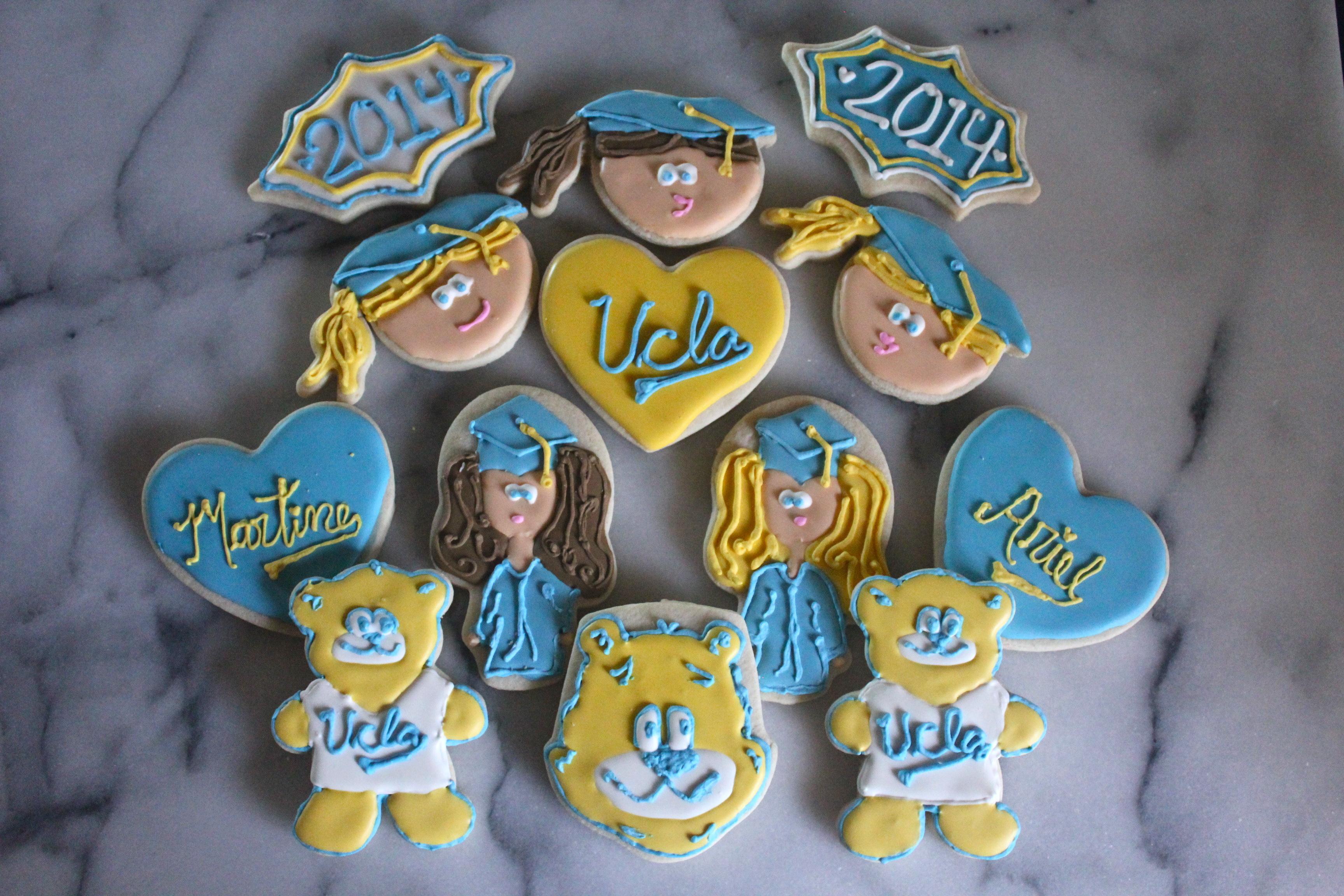 UCLA Graduation Sugar Cookies | SugaredandIced.com