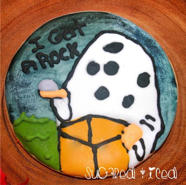 I Got a Rock, Charlie Brown Cookie | SugaredandIced.com