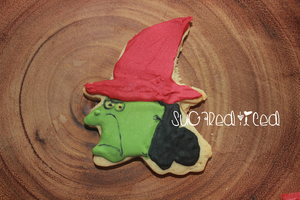 Lucy Witch, It's the Great Pumpkin cookie | SugaredandIced.com