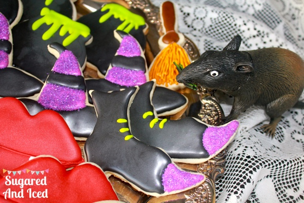 Halloween sugar cookies   SugaredAndIced.com