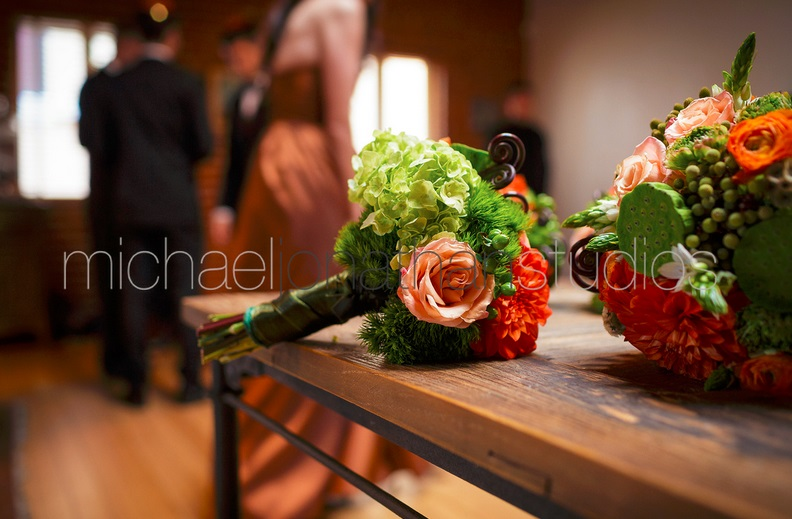 Carondelet House Fall Wedding Flowers by Lotus & Lily | SugaredAndIced.com