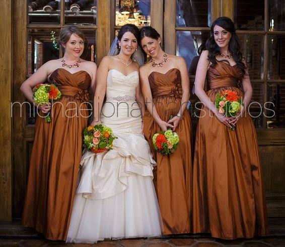 Carondelet House Fall Wedding Bridal Party | SugaredAndIced.com