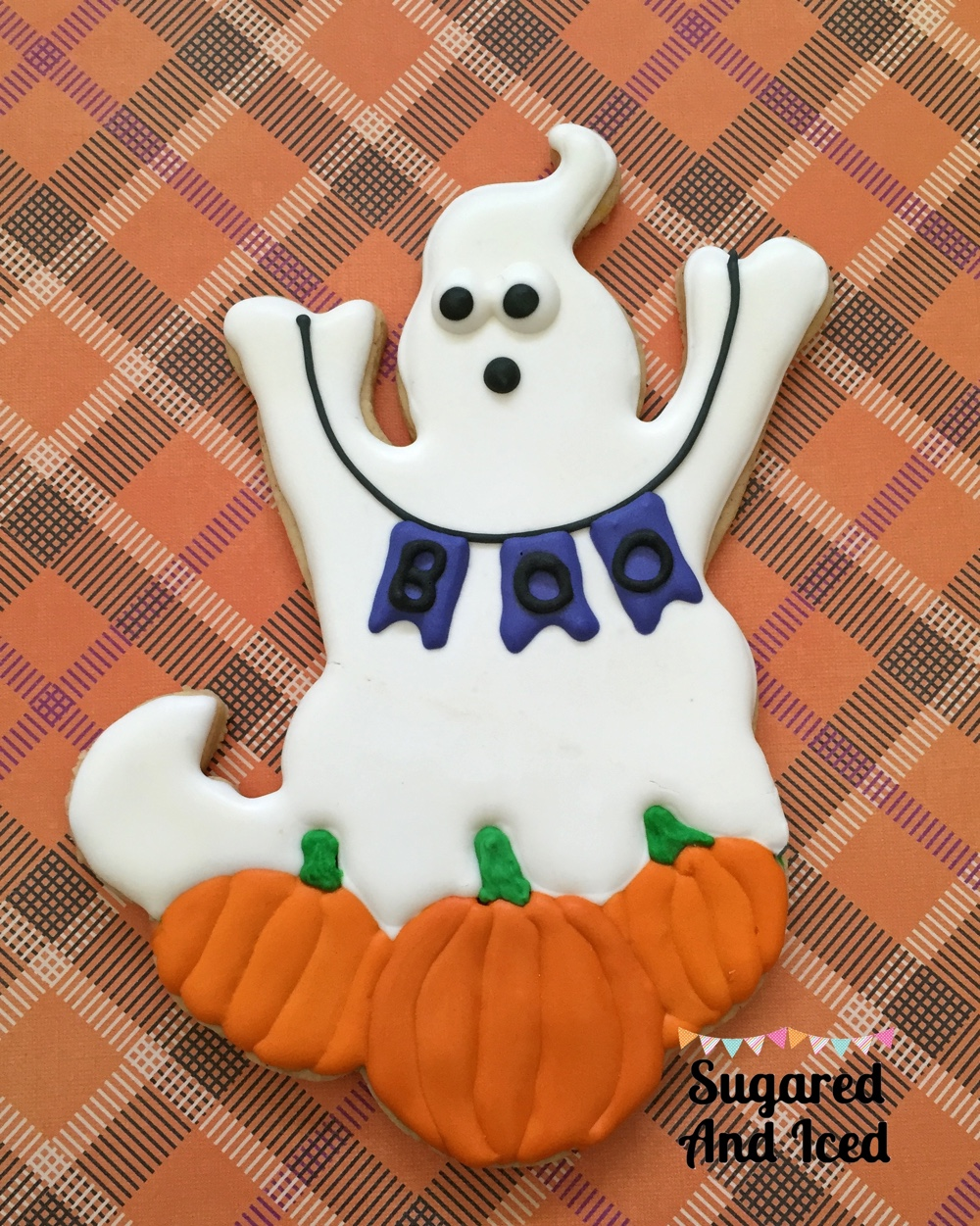 Halloween Ghost Banner Cookie | SugaredAndIced.com