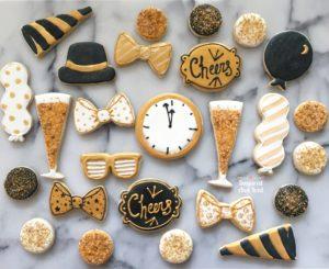 Black and Gold Sugar Cookies New Years | SugaredAndIced.com