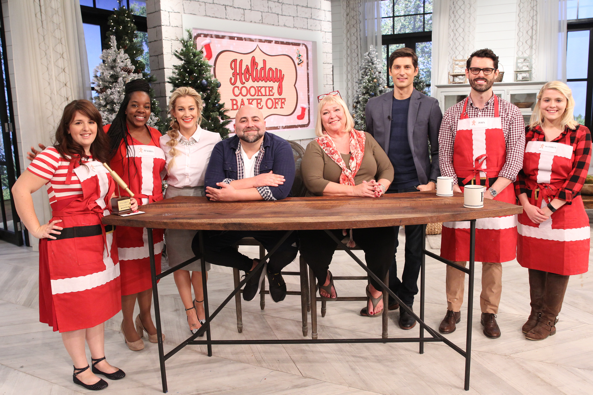 "Sugared and Iced, Samantha Meyers wins Holiday Bake Off on ""Pickler and Ben"""